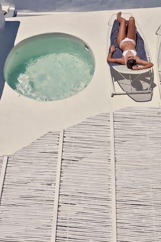 Honeymoon Suite with outdoor Hot Tub