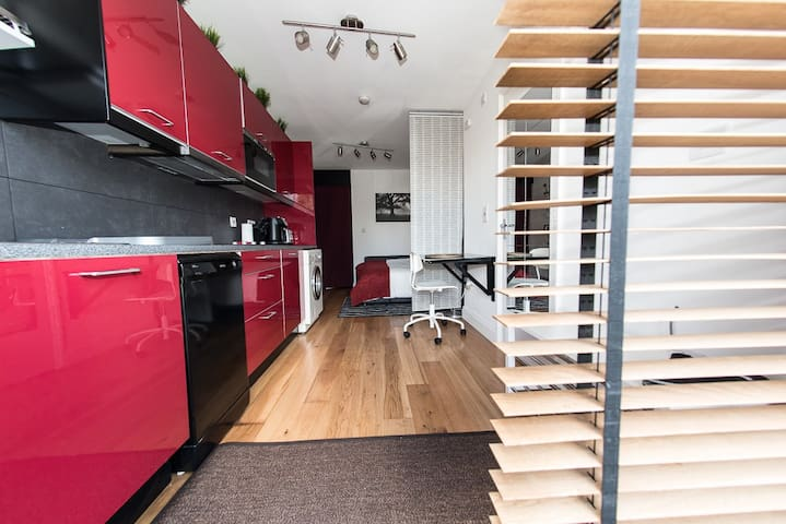 Stunning Modern and well equipped Studio. - Wembley - Apartamento