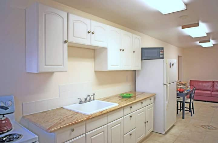 Furnished Apartment 5 mins to Oracle, 35mins to SF