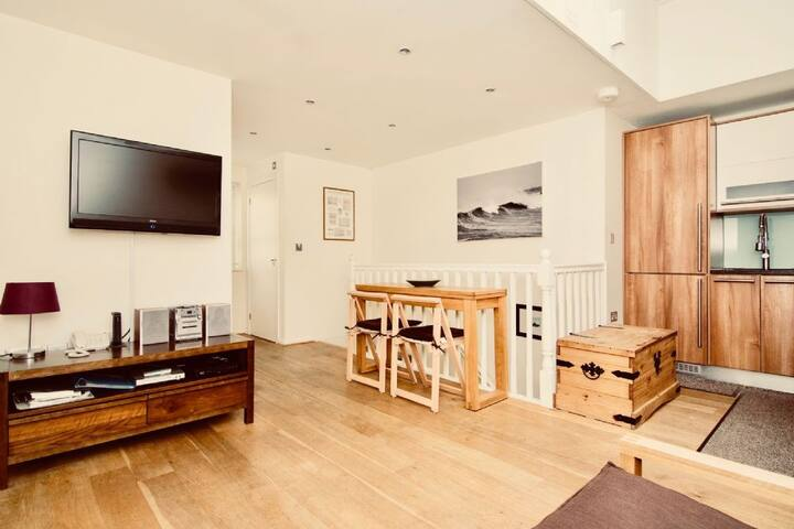 Mews House (sleeps 4)
