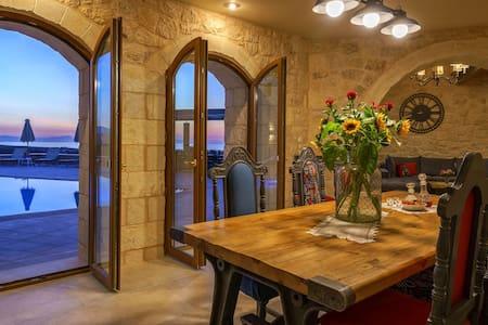 5 BD Villa Castle with private pool - Asteri