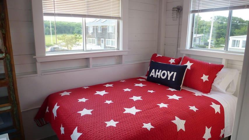 Bedroom 4 (queen) marsh views