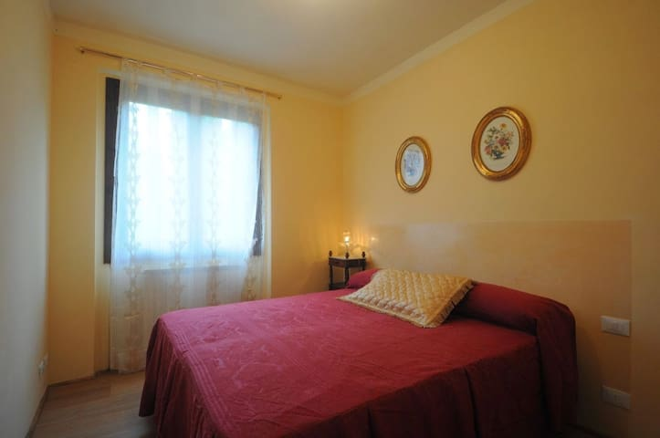 B&B Bellosguardo bedroom 2 - Casale - Bed & Breakfast