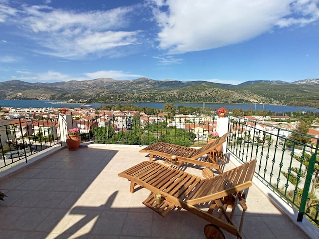Nefeli seaview apartment with panoramic view patio