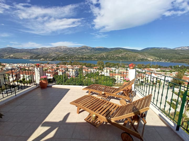 Nefeli seaview apartment with panoramic view patio