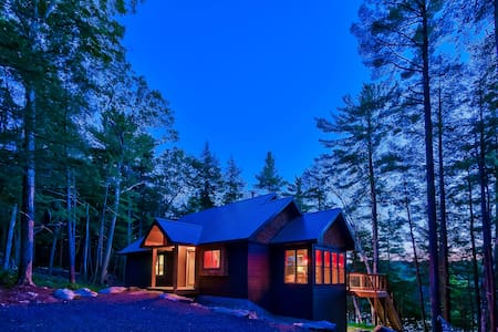 Birch Grove - Private 5 bedroom cottage on water! - Parry Sound