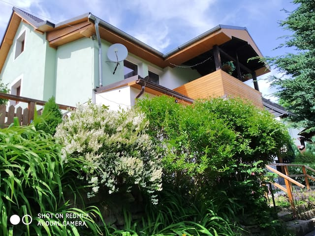 Apartmán 2+kk s výhledem do zahrady