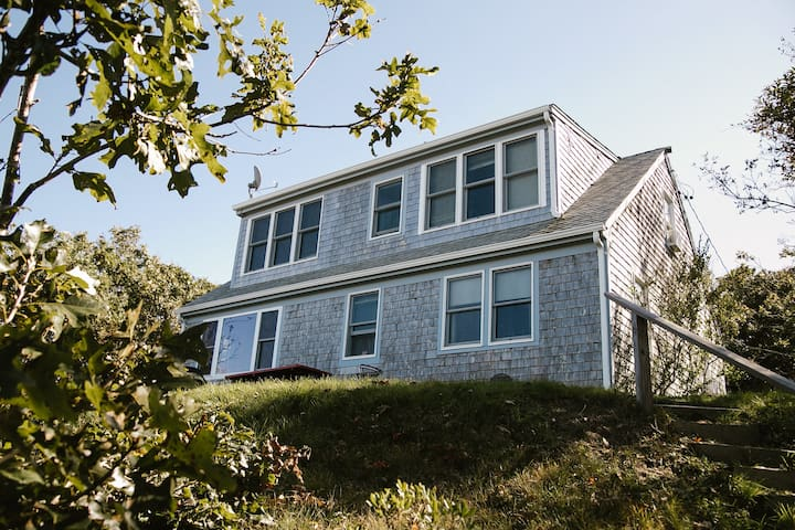 Charming Private Beachfront Home on Brewster Bay