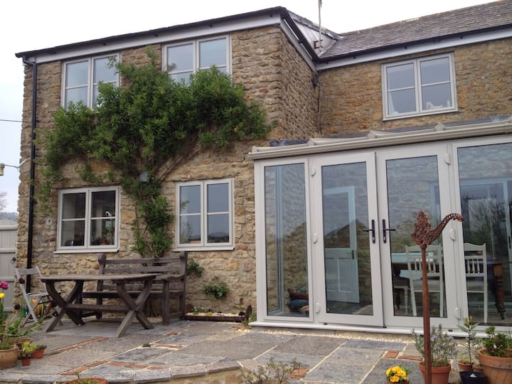 Colfox Cottage B&B  ideal for weddings and walkers