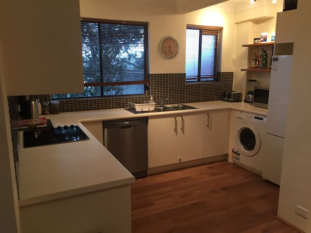 2BR Freshwater Apartment - Freshwater - Wohnung
