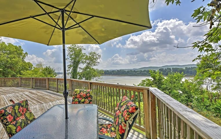 'River House' - 4BR Vevay House w/Water Views! - Vevay