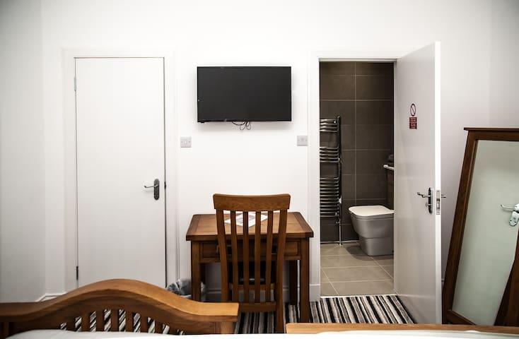 Maze Property Scotland Room 1