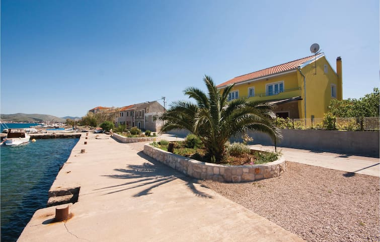 Holiday apartment with 1 bedroom on 30 m² in Sibenik