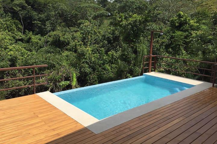 Casa del Rio en Montezuma