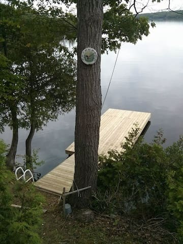 Lake Opinicon Hideaway - Paradise on the Rideau