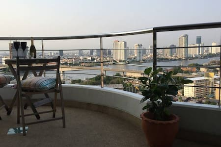 Bangkok's Best Room with a View - bang kho laem, Bangkok