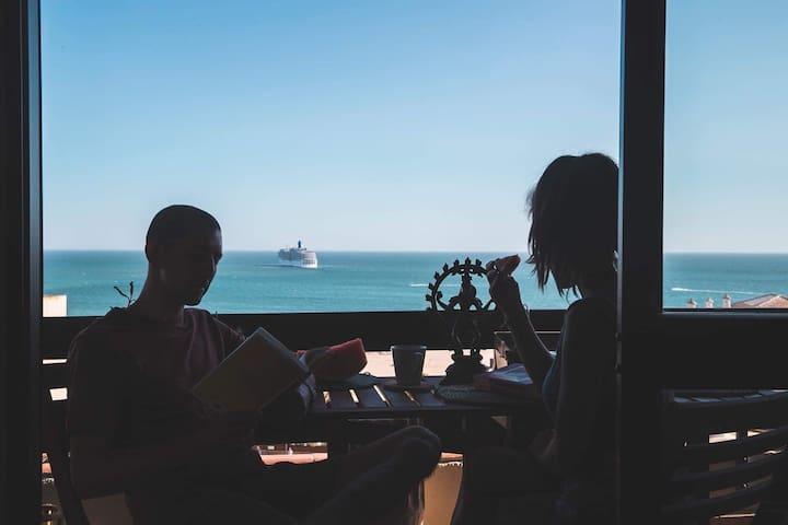 Sunny Oceanview Praia da Rocha Beach house