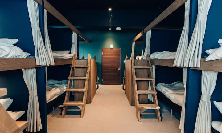 Mix Dormitory(2 bunk beds),10second to hot spring♪