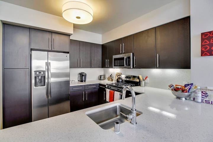 Great 1/1 location in Redwood City! - #327512
