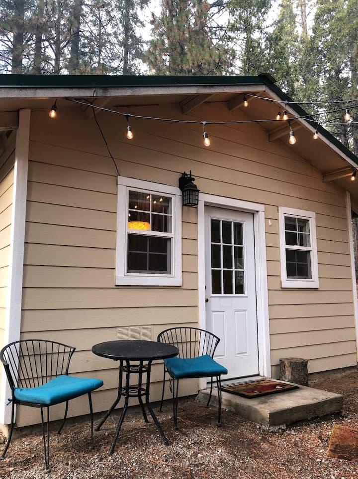 Cozy Cabin at Neighbors RV Village