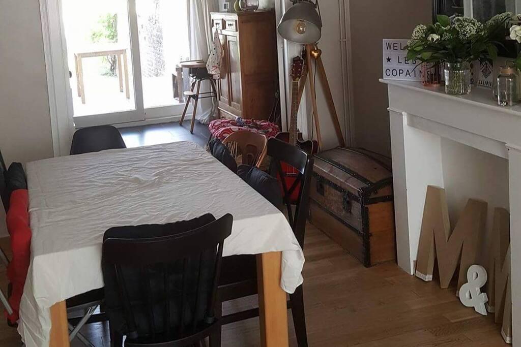 maison familiale id ale pour la braderie de lille h user zur miete in seclin hauts de france. Black Bedroom Furniture Sets. Home Design Ideas