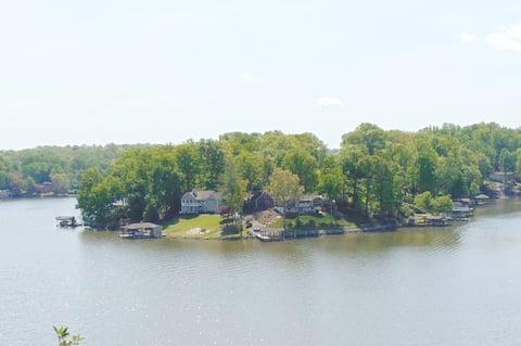 $98-198 Lakefront HotTub Firepit Canoe Kayaks Dock