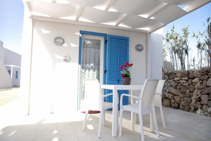 Snug Holiday Home in Favignana with Garden