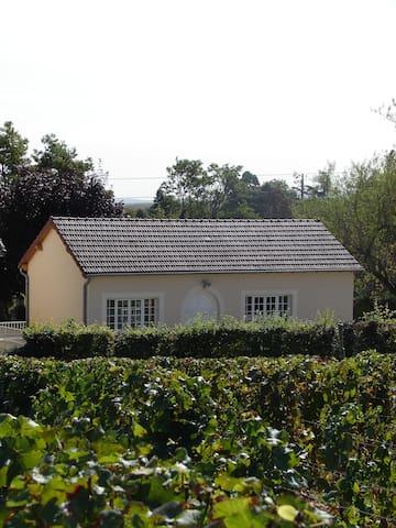 Gite La Petite Maison - Givry - Hus