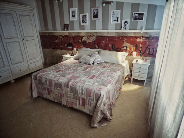 the room of the poets - Greve in Chianti