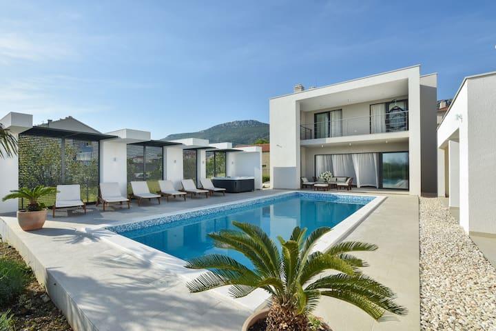 Villa Formosa, Croatia Luxury Rent