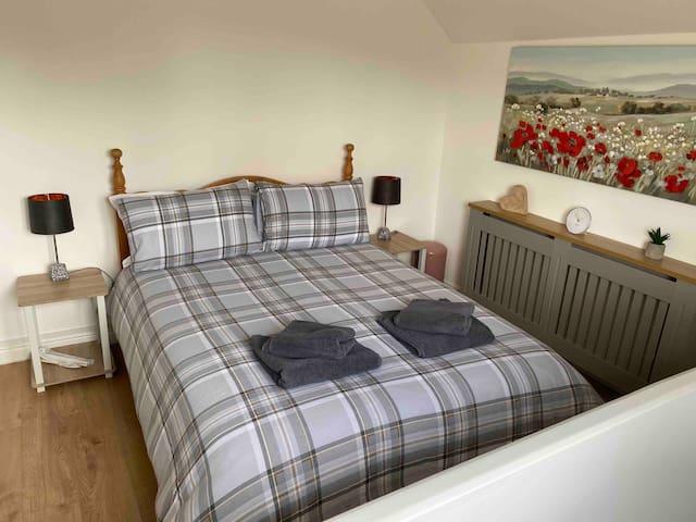 Attic bedroom (double bed)