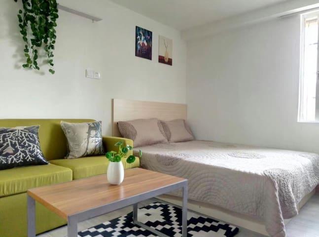 Cosy Apartment 5mins walking to🚇 5分钟至天河城地铁 干净整洁新装修