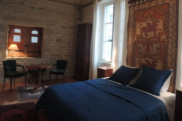 Maison Romane (1136) - Cluny - Townhouse