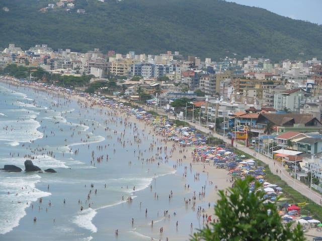 Praia Bombas c/ avenida beira mar