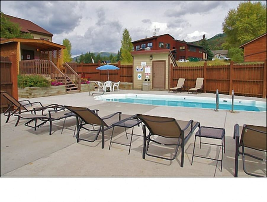 Summer Only Pool, Year Round Hot Tub + Gas Grill, Picnic Table, Sunbathing.