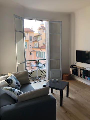 Charmant Appartement au Port avec balcon