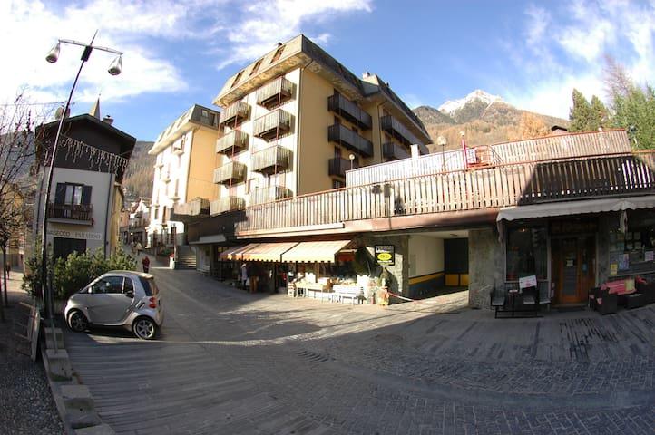 Appartamento per  vacanze, sci, passeggiate, relax - Chiesa In Valmalenco