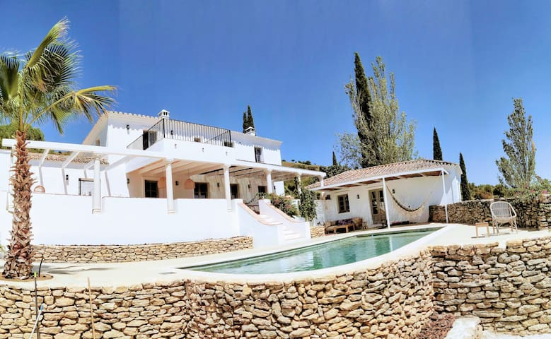 Exclusive historic Villa in the heart of Andalucian - La Villa Magdalena