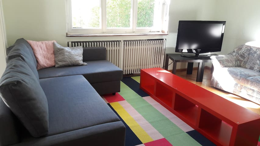 Spacious House in Cologne/good access to fair