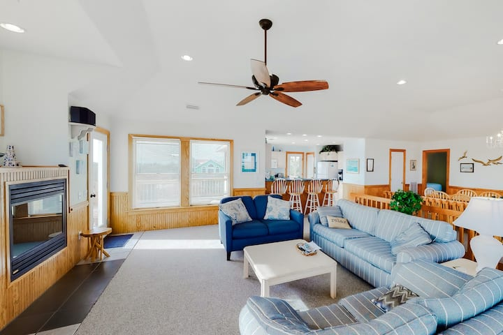 Oceanside Home In Corolla w/ Private Pool & Hot Tub