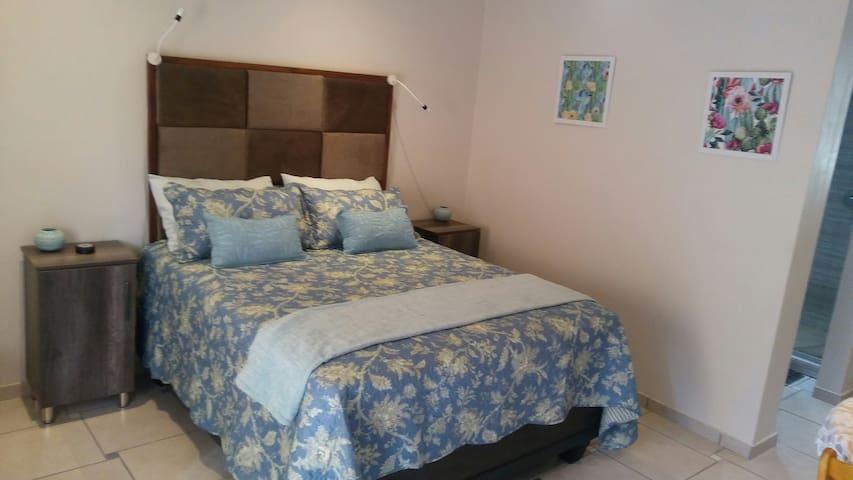 Abelia Guestrooms room 1