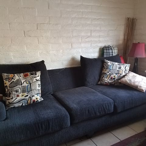 Removable cushions for more space.