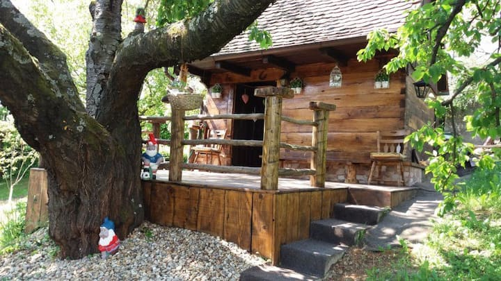 Wood cabin, little and cosy close to Zagreb center