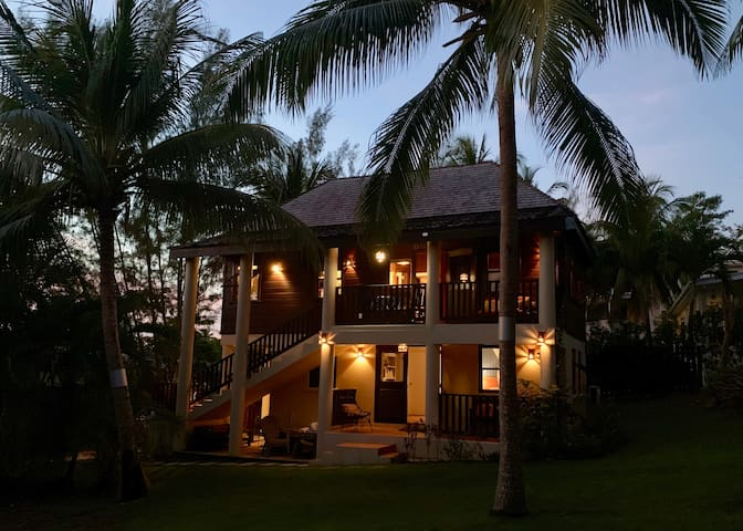 🐠⛱ Unique Vacay Home near Mullins Beach sleeps 4+
