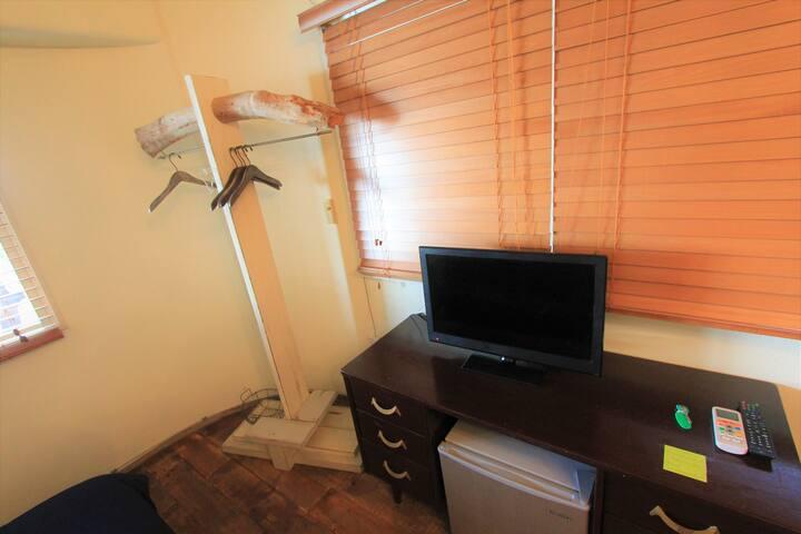 テレビ、冷蔵庫、ハンガー 、wifi 完備