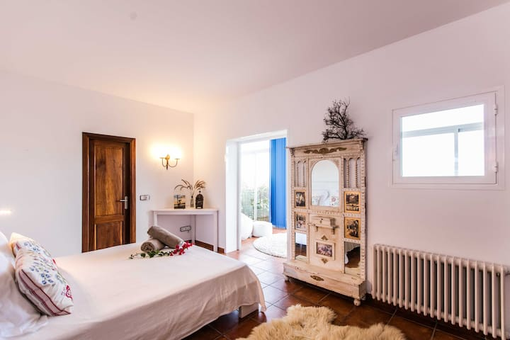 Master Bedroom with amazing views - Santa Gertrudis de Fruitera