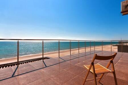 Rent a house near the sea in Zatoka - Dom