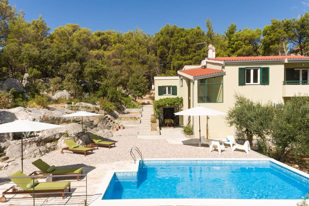 Villa Stina with heated swimming pool