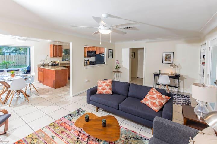 Sunshine House, close to Downtown Sarasota