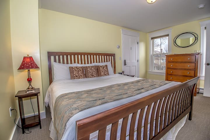 Cranmore Inn B&B Two Room Suite with twin trundle